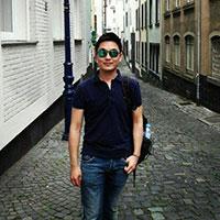 asiatique gay drole et versatile