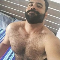 bear musclé poilu gay rugbyman