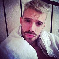 blond gay sexy décoloré fellation